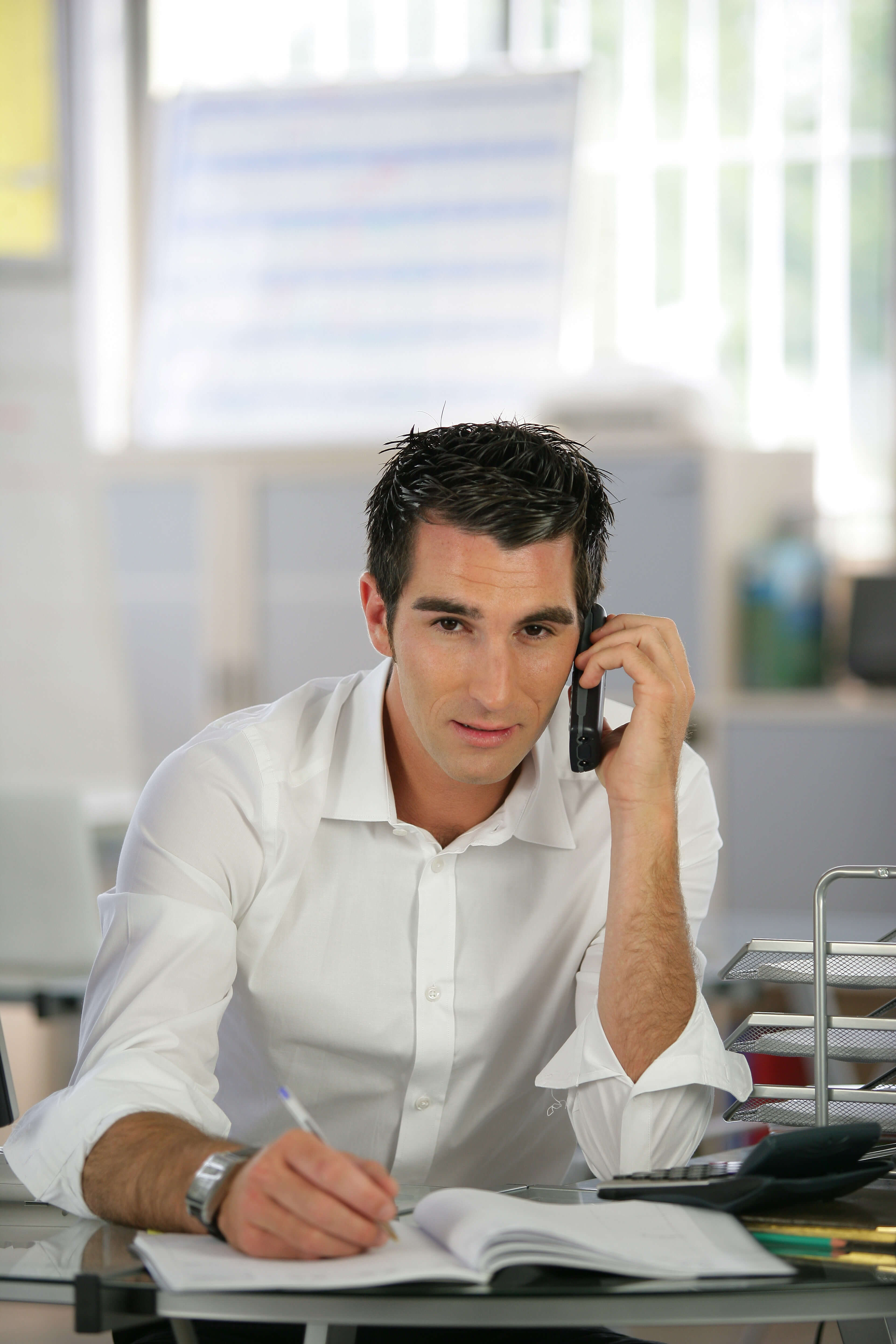 alliance solutions group blog archive mastering the phone screen recruiter having phone call